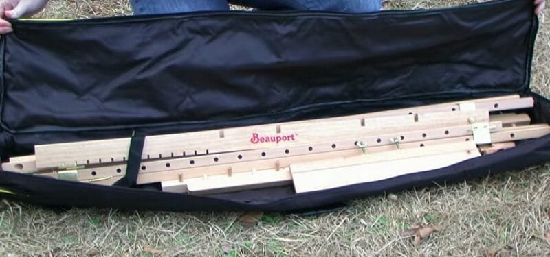 Beauport field easel folded in an easy to carry bag